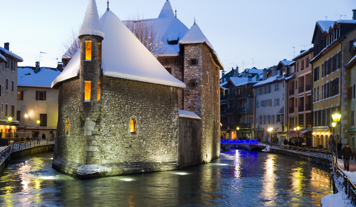 from Benton dating annecy